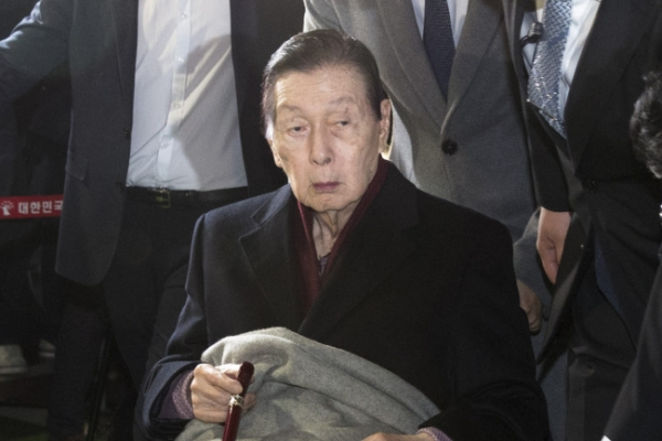 [Newsmaker]Ugly succession battle taints Lotte founder's legacy