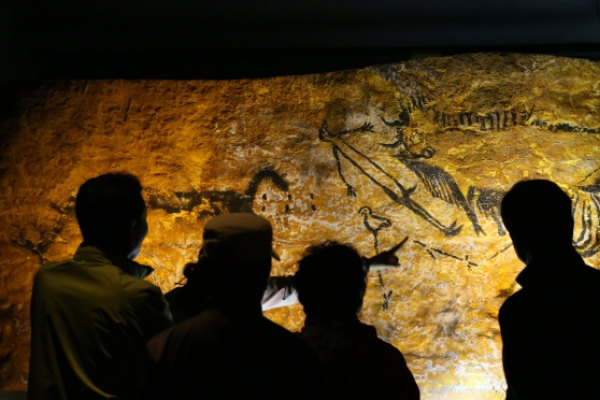 French Lascaux cave paintings add sparkle to hidden gem Gwangmyeong Cave