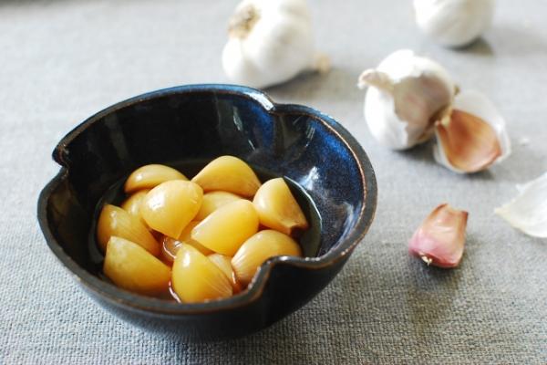 [Home Cooking] Pickled garlic (maneul jangajji)