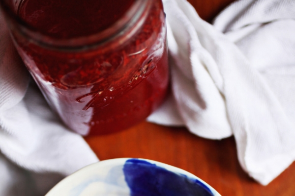 Make this delicious strawberry sauce