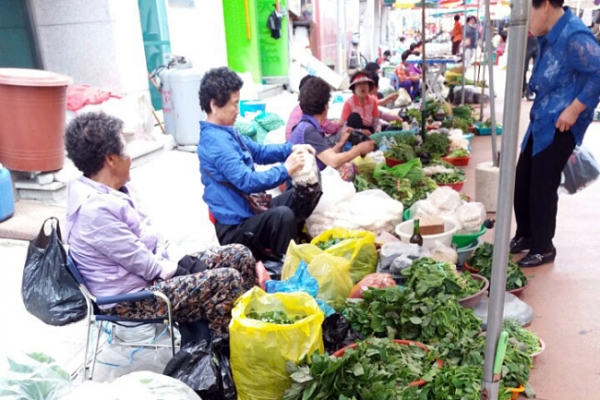 Yangyang traditional market is life of the region