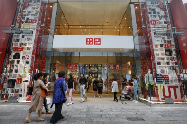 Japan's Uniqlo targets global stature with fashion identity
