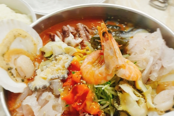[The Palate] Raw seafood soup, mulhoe