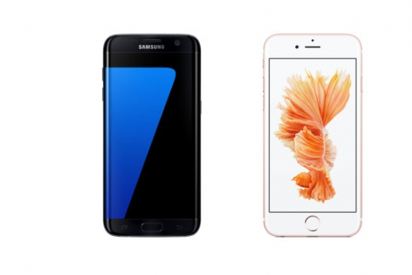 Samsung far outpaces Apple in smartphone shipments