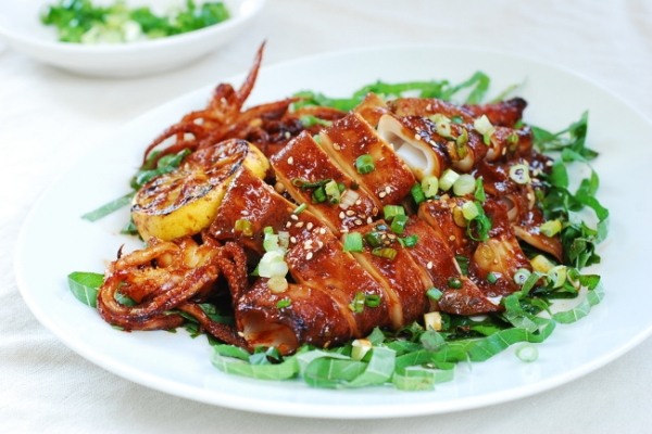 [Home Cooking] Ojingeo gui (spicy grilled squid)