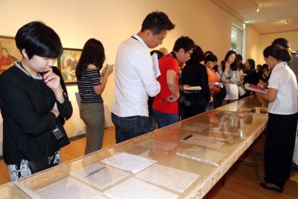 Busan Biennale highlights East Asian avant-garde art movements