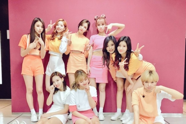 Twice breaks Gaon, Hanteo album sales records