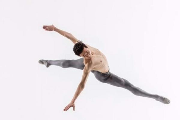 Jun Joon-hyuk joins Britain's Royal Ballet, its 1st Korean ballerino