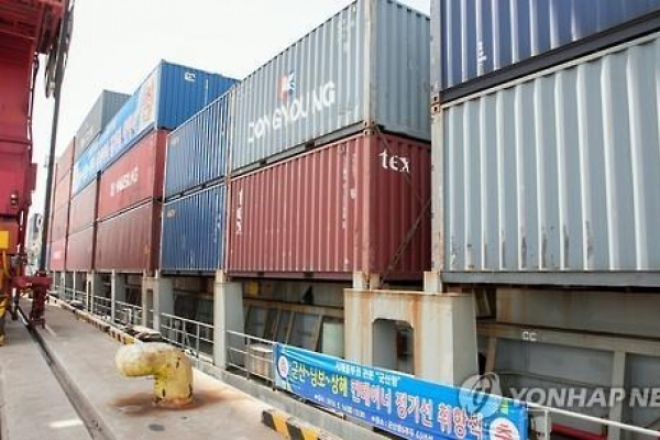 [News Analysis] Exports seen improving but no time for relief, experts say