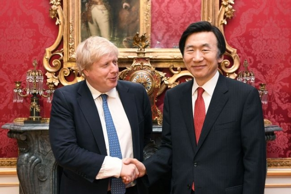 Foreign ministers of S. Korea, Britain discuss cooperation on N. Korea issue