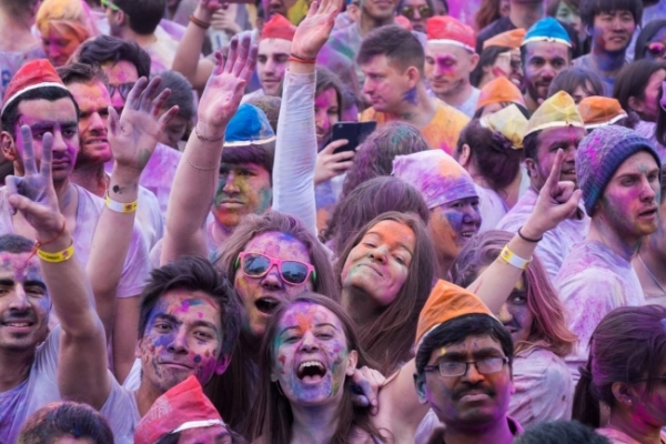 Holi to bring the color back to Korea