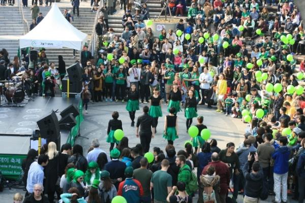 IAK St. Patrick's Day fest invites Seoulites to 'be Irish for a day'