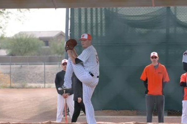 Baseball club releases American pitcher