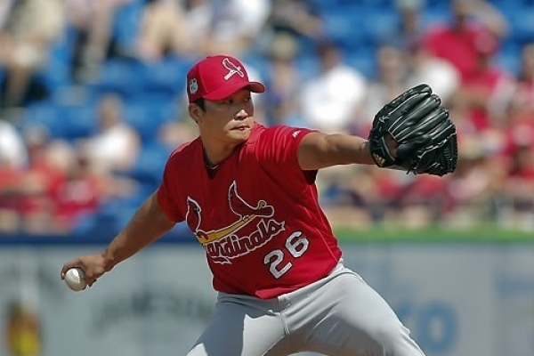 Cardinals' Oh Seung-hwan earns 1st save of season