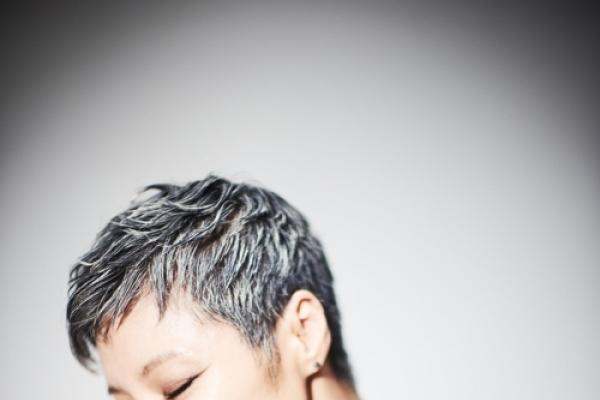Pop diva Lee Eun-mi releases new song 'Albatross'