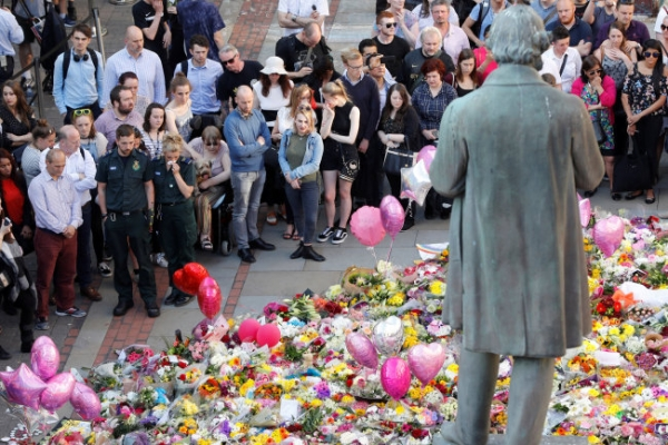 'Don't look back in anger': Manchester's musical message to the world
