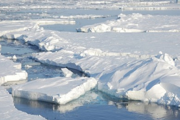 Korea, Japan, China agree to beef up cooperation on Arctic issues
