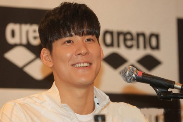 Swimmer Park Tae-hwan departs for Rome to open pre-worlds camp