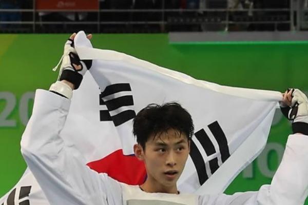 Kim Tae-hun wins 3rd straight gold at taekwondo worlds