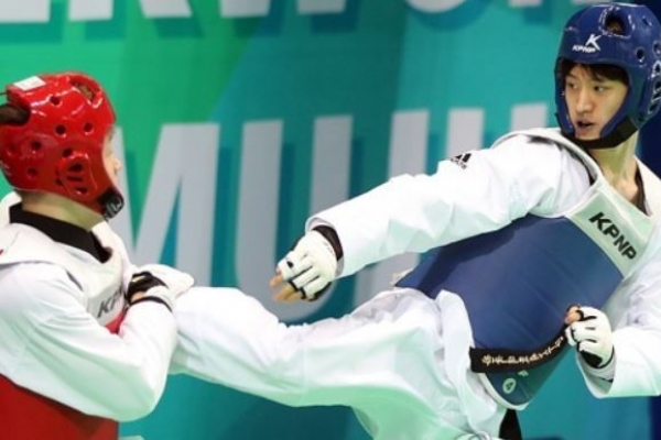 2 S. Koreans secure at least bronze at taekwondo world championships