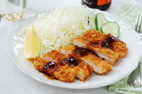 [Home Cooking] Tonkatsu (Fried pork cutlet)