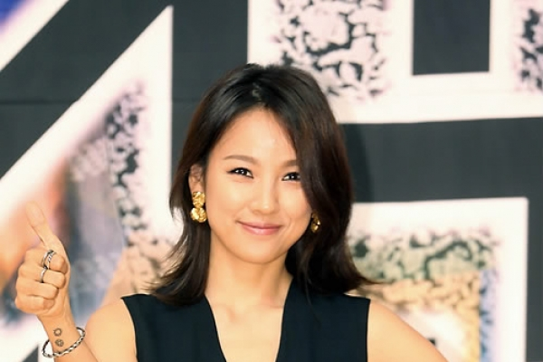 Lee Hyo-ri to appear on JTBC's 'Newsroom'