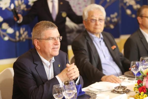 IOC President Bach saving talks on joint Korean Olympic team for Moon