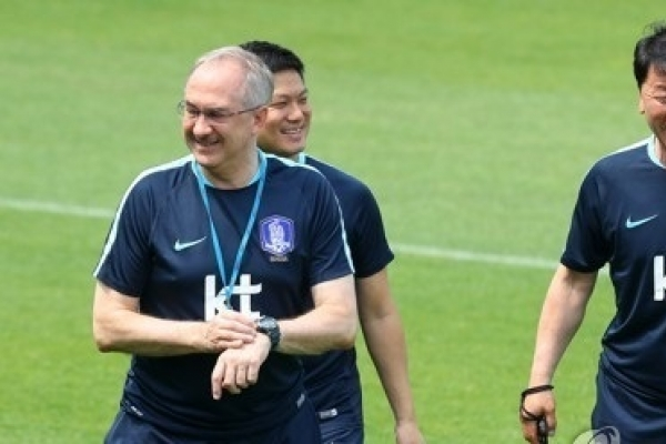 Chief assistant coach of Korea nat'l football team resigns