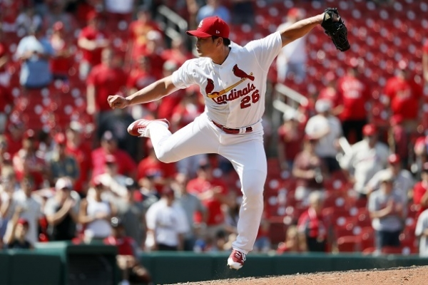 Few bright spots for Koreans in first half of MLB