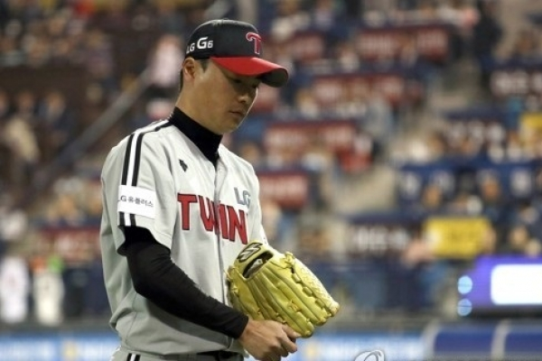 Baseball pitcher charged with DUI