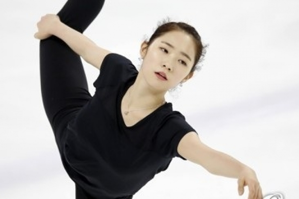 Figure skaters trying to overcome adversity before Olympic qualification