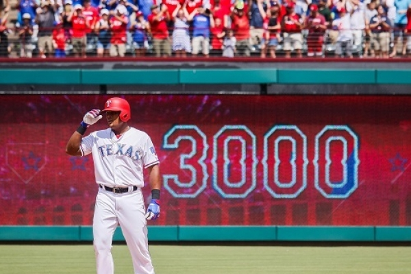 Adrian Beltre collects 3,000th hit
