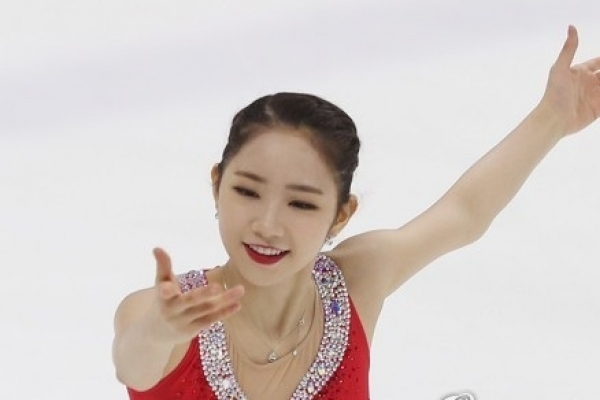 Promising figure skater withdraws from Asian event with foot injury