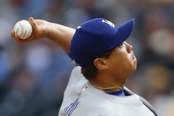 Dodgers' Ryu Hyun-jin earns 5th win of season vs. Pirates