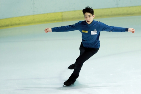 Figure skater determined to win Olympic spot in last qualifying event