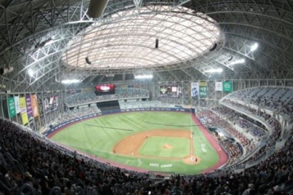Baseball club admits to giving money to umpire in snowballing scandal