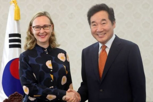 PM meets with Finnish parliamentary speaker