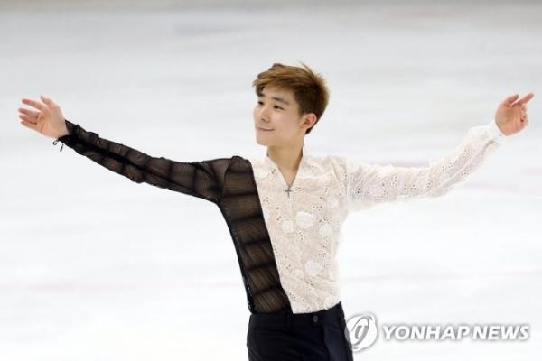 Ex-nat'l figure skating champ earns Olympic spot for S. Korea
