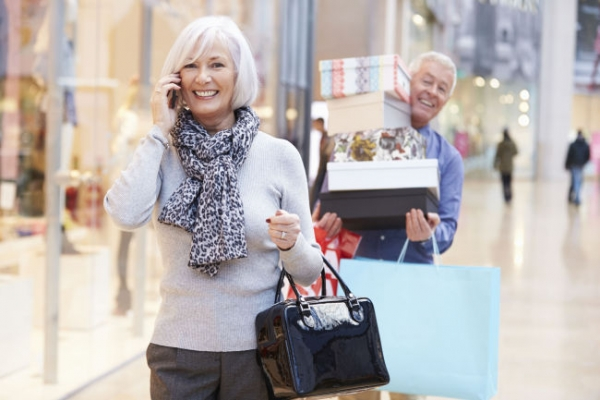 [Newsmaker] Seniors growing as main customers for department stores