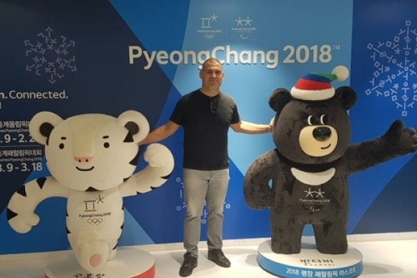 [Newsmaker] Ex-UFC heavyweight champ enjoys time in Korea, plans to come back next year