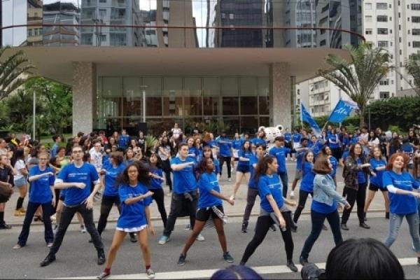 'Flash mob' in Sao Paulo to celebrate PyeongChang Olympics
