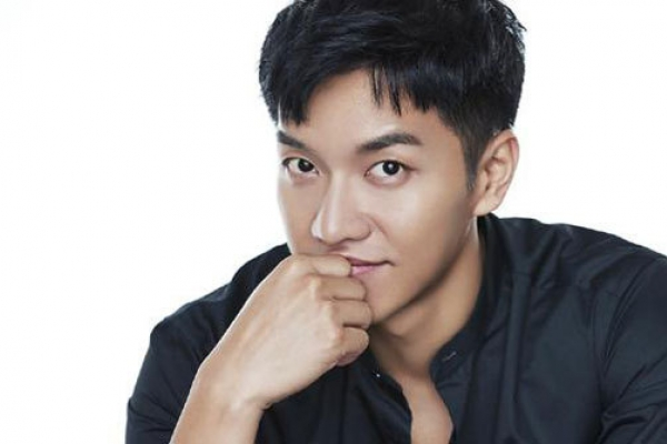 Lee Seung-gi confirms lead role in upcoming drama 'Hwayugi'