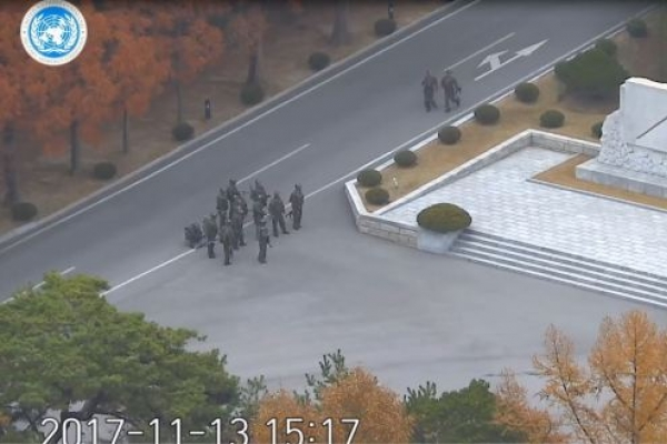[Video] Full video of N. Korean soldier's defection to South Korea