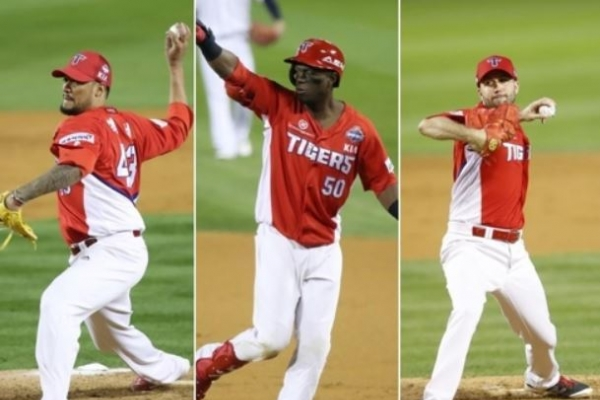 Reigning baseball champs re-sign 3 foreign players