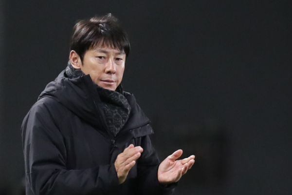 S. Korea football coach says tactical change key to victory vs. N. Korea