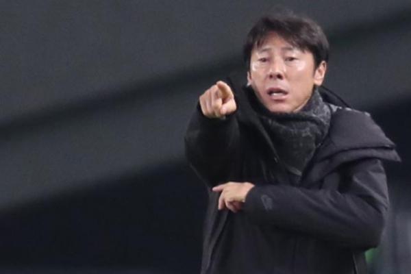 Despite regional title, men's football coach says S. Korea need to improve
