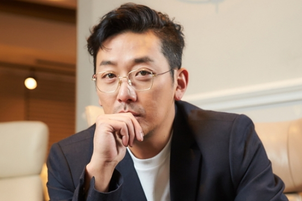 [Herald Interview] Ha Jung-woo talks about tackling first fantasy role