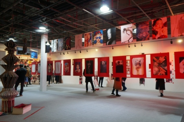 'Splash of Old in New' curates Korea in eyes of fashion