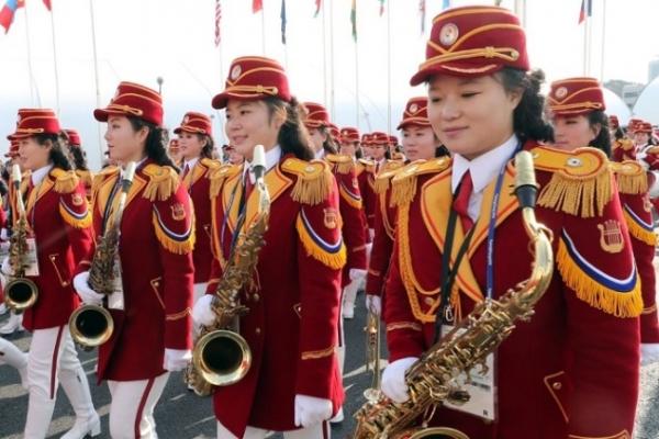 [Photo News] North Korean athletes enjoy festive welcoming ceremony