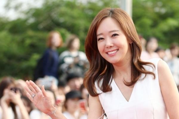 So Yoo-jin gives birth to daughter